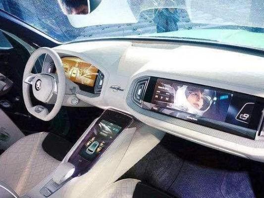 宝马推出全新数字仪表UI,打造虚拟驾仓全新体验
